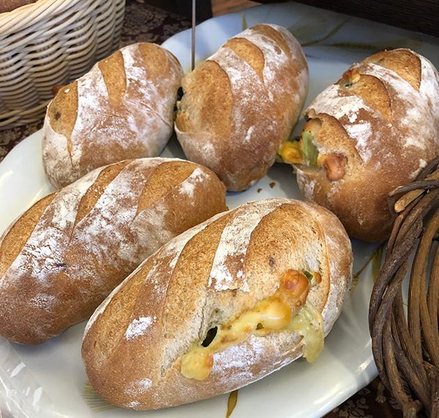 ☆野沢菜とチーズのライ麦パン☆